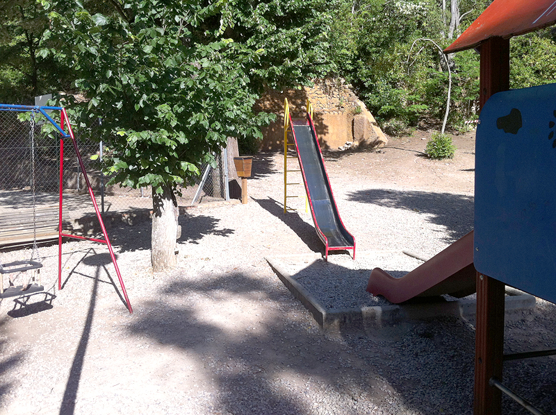 Juegos infantiles en Villa Engracia