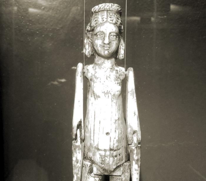 Muñeca de marfil del Museu Arqueològic de Tarragona