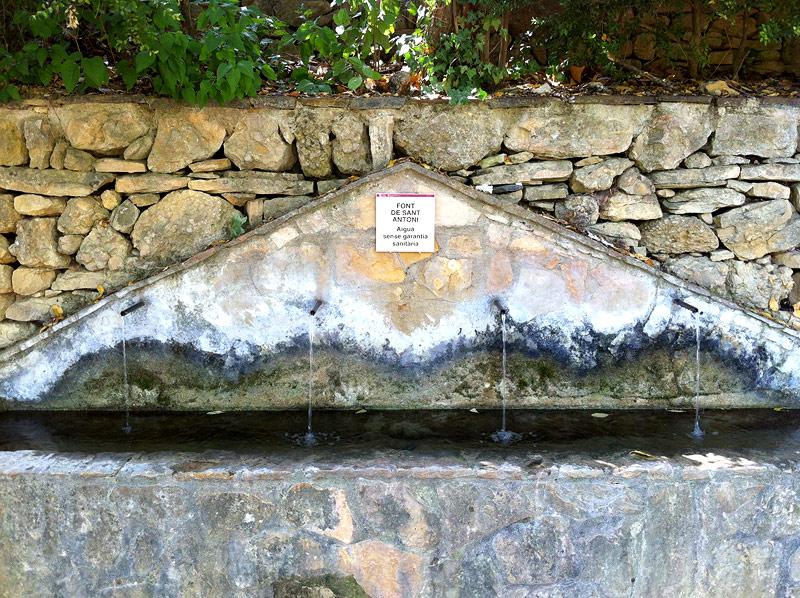 Fuente en la ermita de Sant Antoni