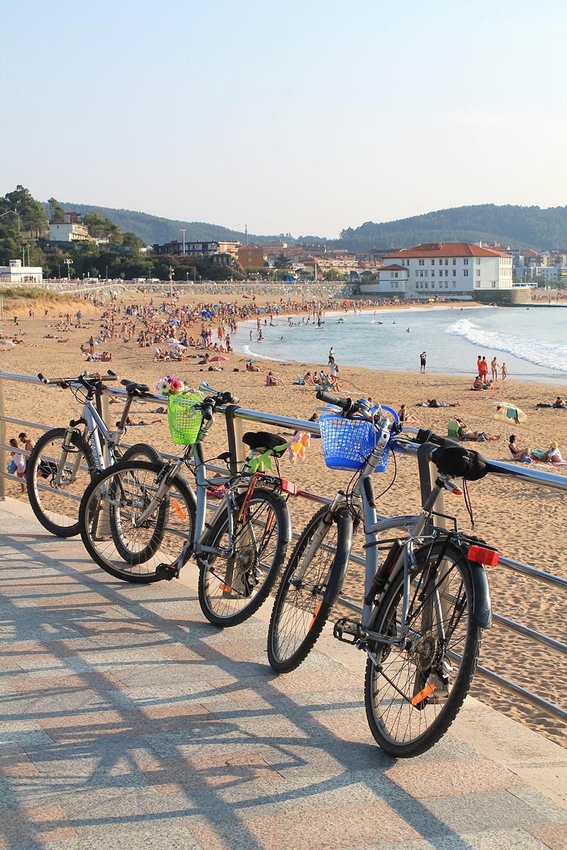 Ambiente en la playa de Gorliz - Bizkaia Costa Vasca