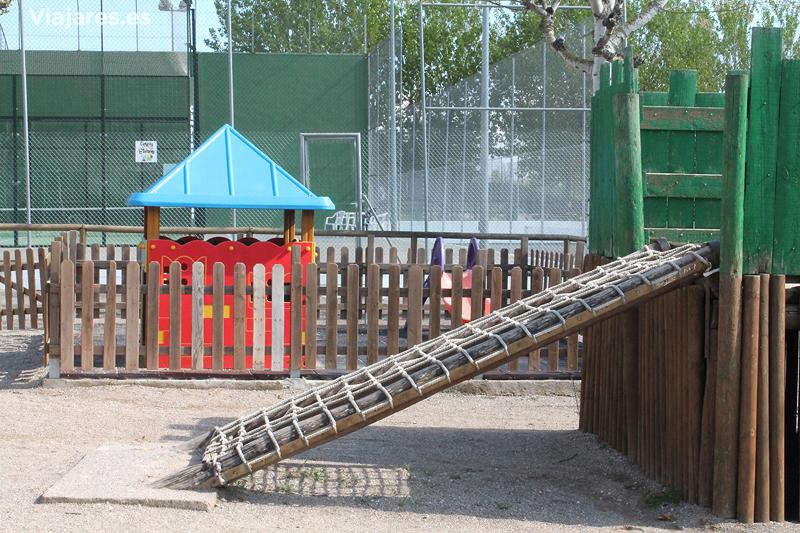Zonas infantiles y para practicar deporte