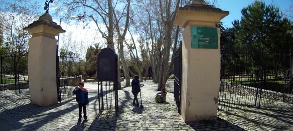 Parque de can mercader con ni os viajares for Parques ninos barcelona
