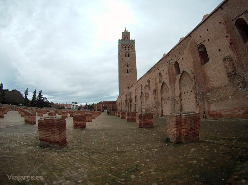 Restos de edificaciones anteriores en la Koutoubia