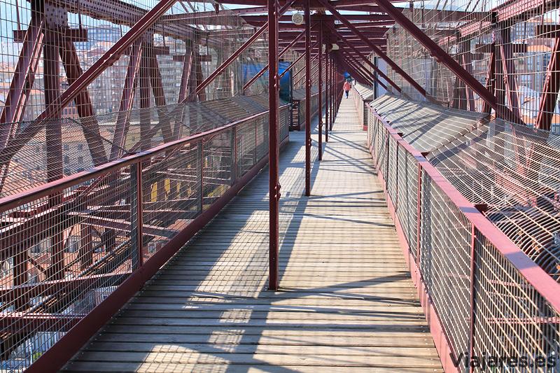 La pasarela del Puente Colgante tiene una longitud de 160 metros