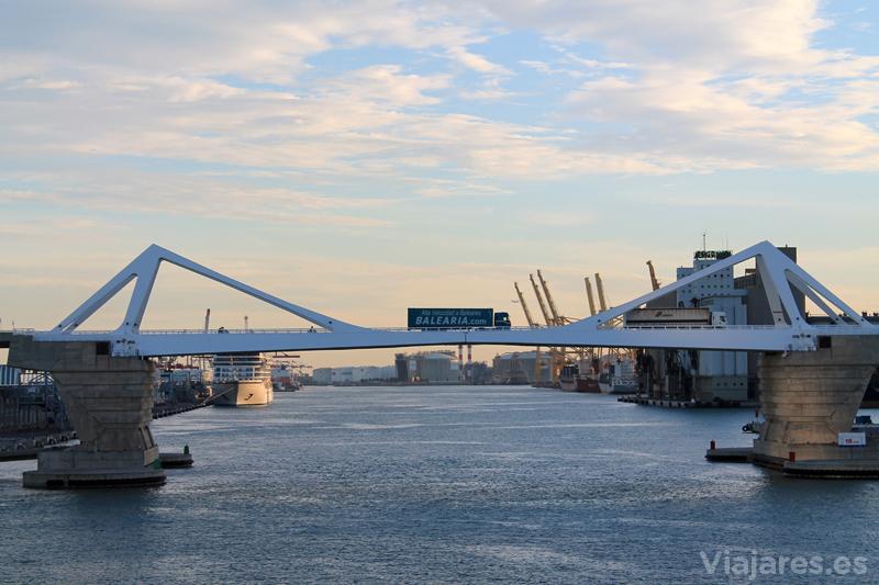 puerto-barcelona-llegada-ferry