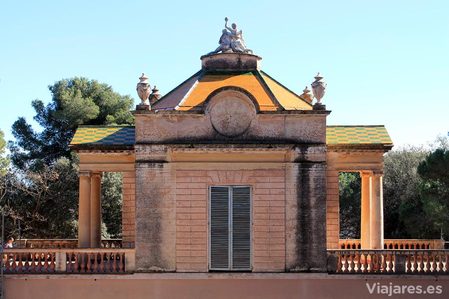 Pabellón neoclásico dedicado a las musas