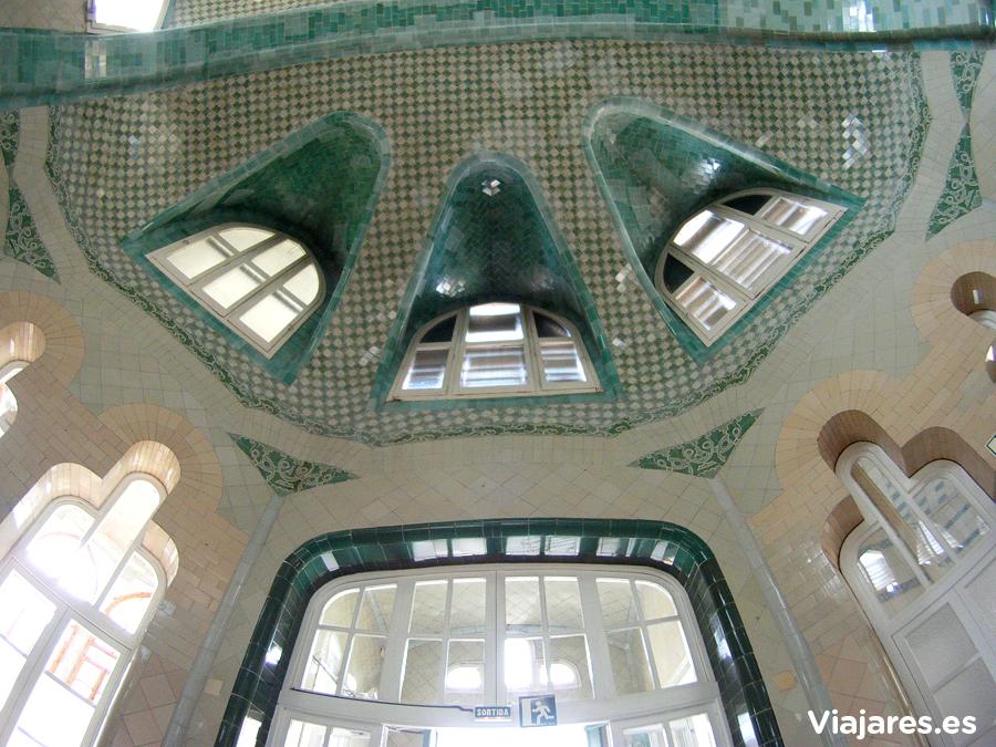 Detalle del techo en el pabellón de San Rafael - Hospital de Sant Pau