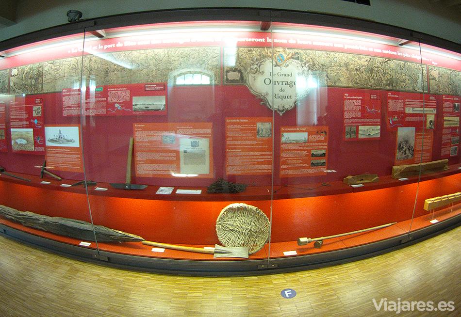 Paneles explicativos en el Museo del Canal du Midi