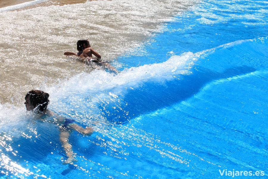 Piscina de olas artificiales