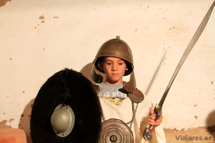 Joven guerrero íbero en la Ciudadela de Calafell