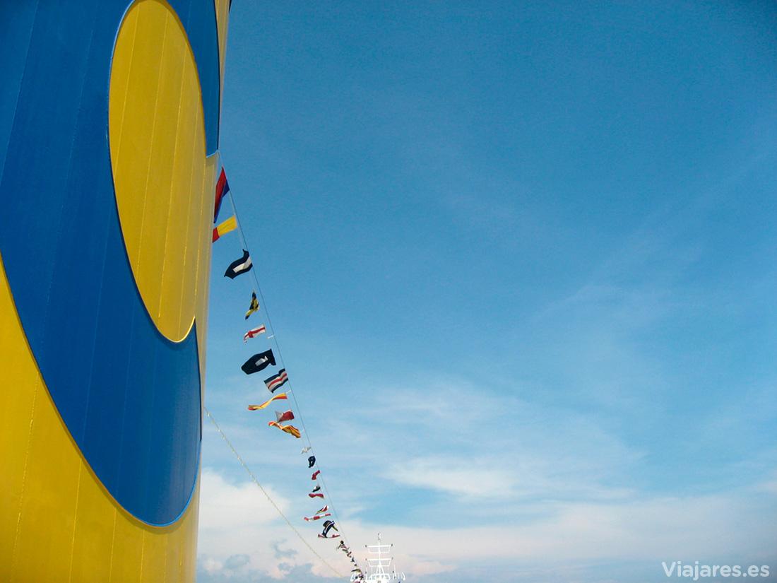 Los característicos colores de Costa Cruceros