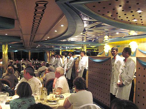 Costa Concordia noche italiana