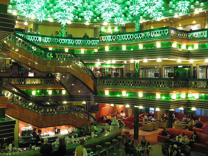 https://viajares.es/wp-content/uploads/2012/12/viajares-costa-concordia-interior-hall.jpg