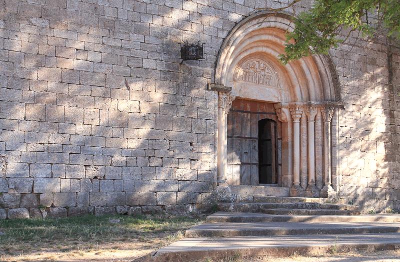 Entrada a la Iglesia de Santa María, Siurana