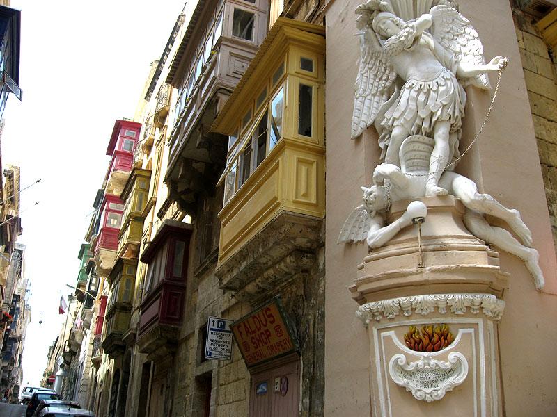Callejeando por rincones curiosos de La Valleta