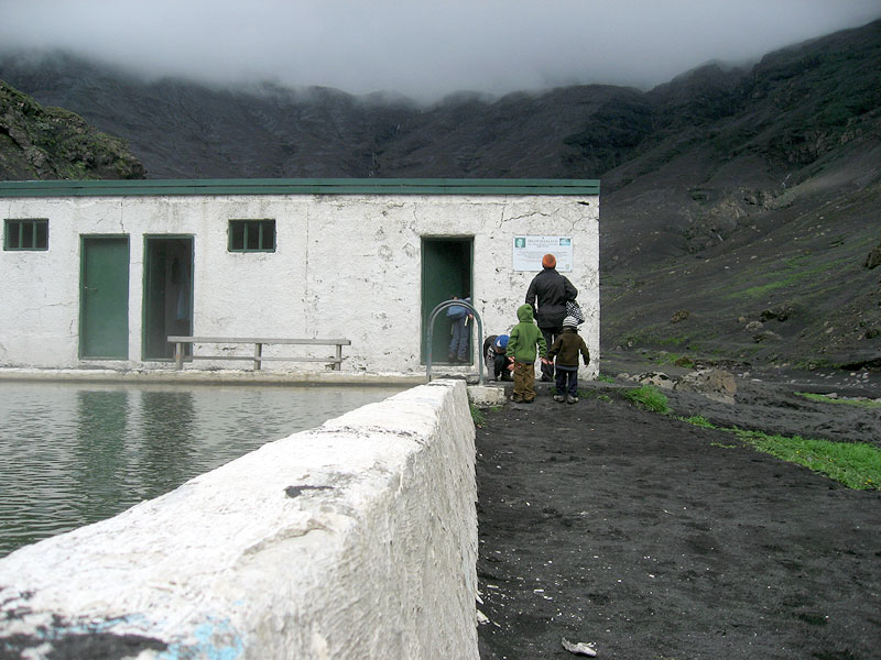 Fantástica piscina volcánica en Islandia