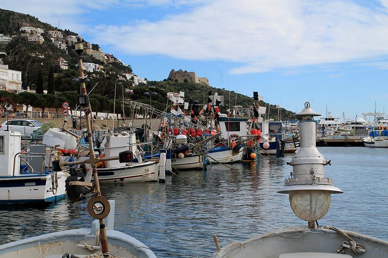 Puerto de pesca en la localidad de Roses