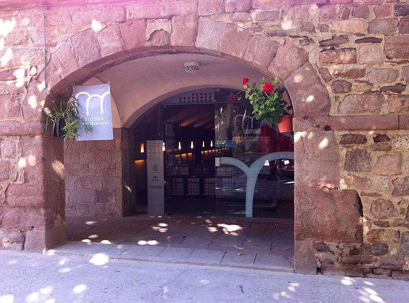 Entrada a Centro Cardona Medieval