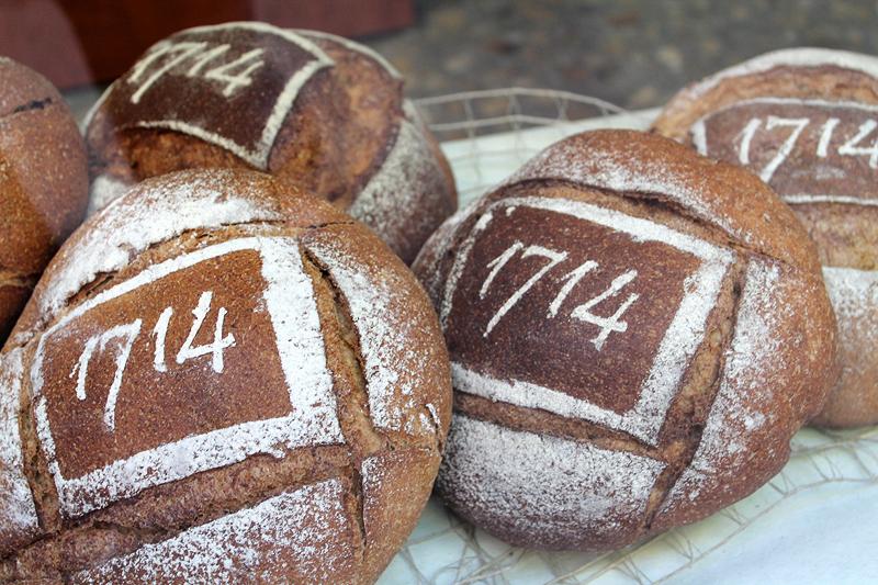 Hasta en el pan hay referencias a la historia y los hechos de 1714