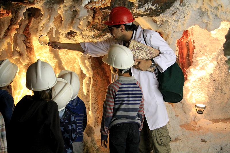 Visita con niños al Parque cultural de la montaña de sal de Cardona