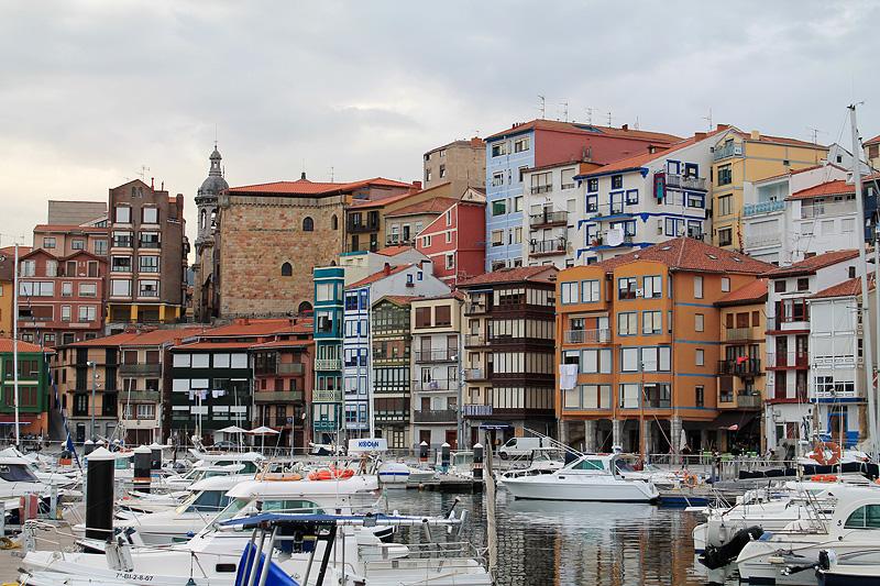 Fachada marítima en Bermeo, Euskadi
