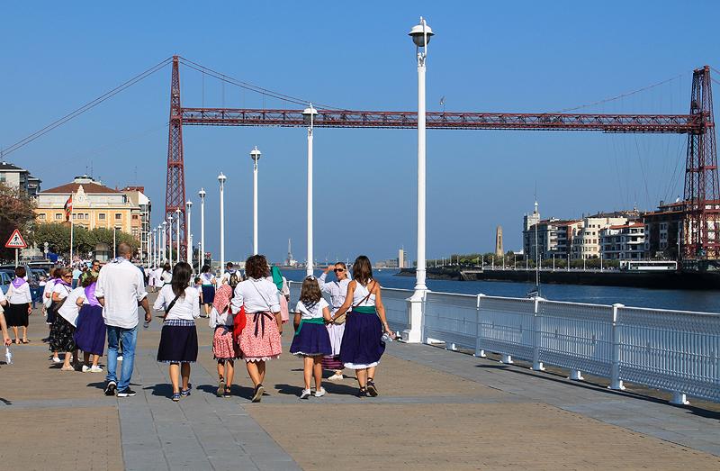 El puente fue protagonista en el primer Sardinera Eguna