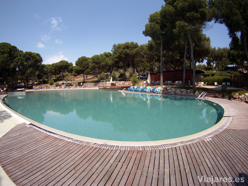 Una de las múltiples piscinas de Lumine Beach Club