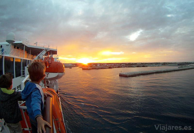 Amanecer a la llegada a Menorca