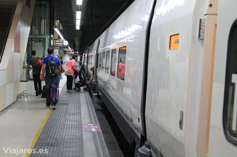 renfe-SNFC-estacion-sants-barcelona-toulouse