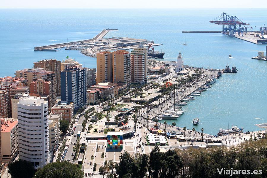Puerto de Málaga, con el Centro Pompidou y el Muelle Uno