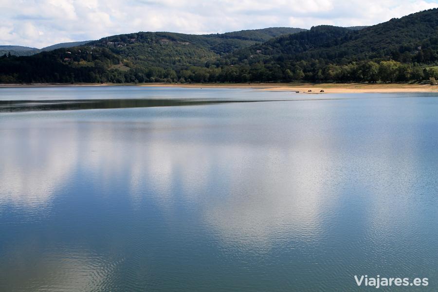 El embalse de Saint-Ferréol abastece con el agua suficiente el Canal du Midi
