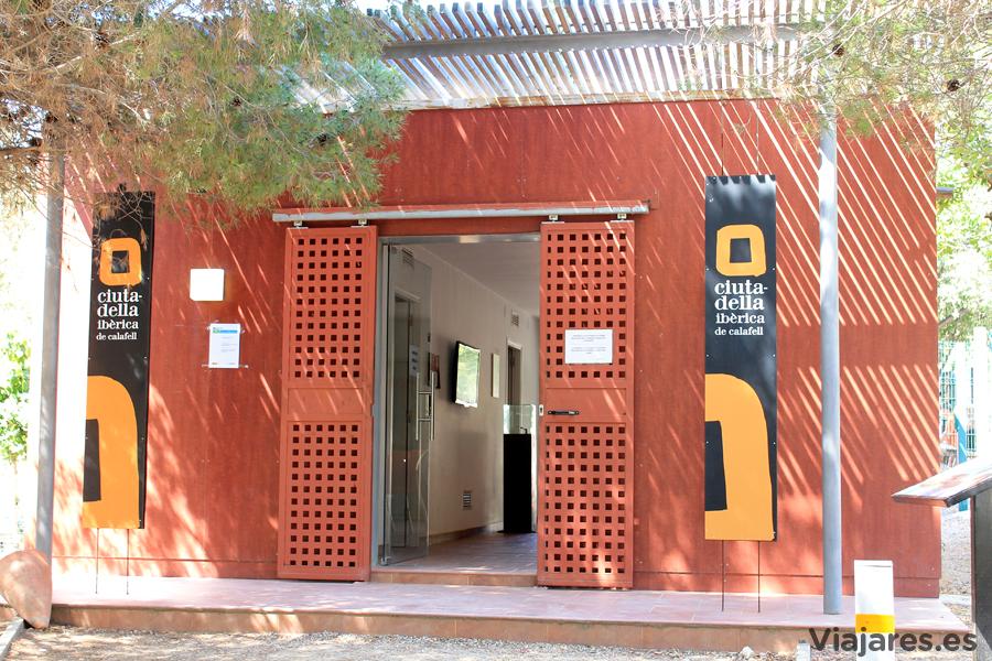 Entrada al recinto de la Ciudadela Ibérica de Calafell