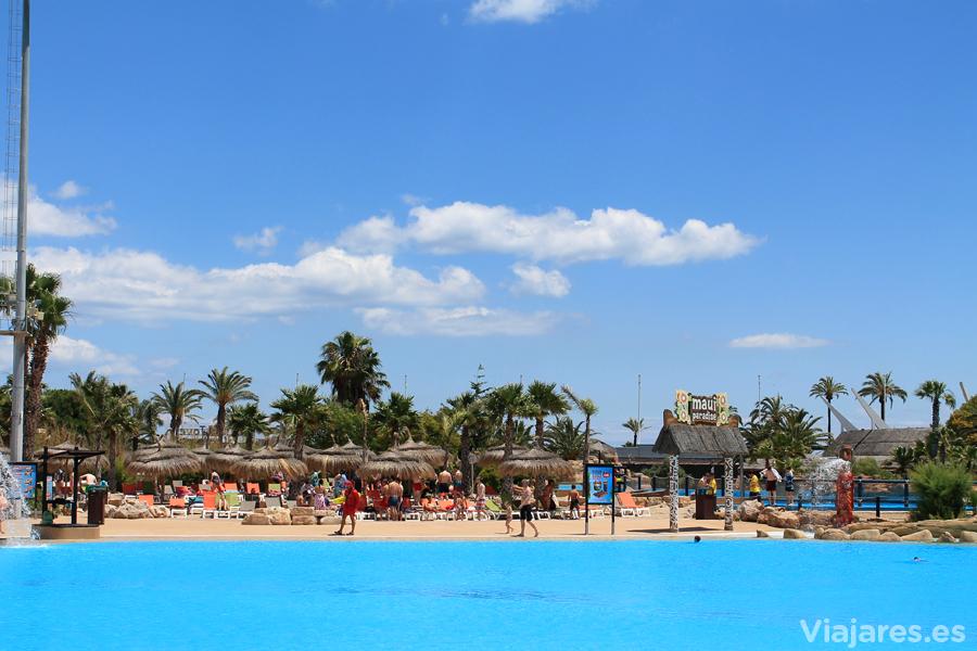 La enorme piscina conocida por Blue Lagoon
