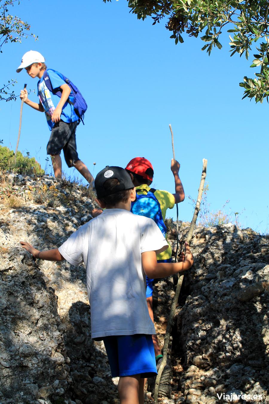 Equipo infantil en la excursión al Montsant