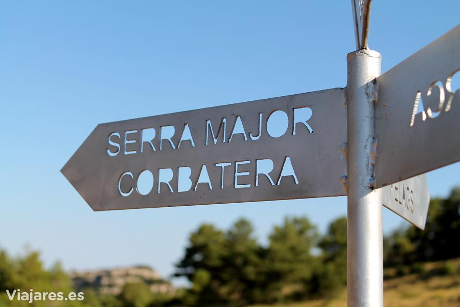 Dirección a la Serra Major y Roca Corbatera