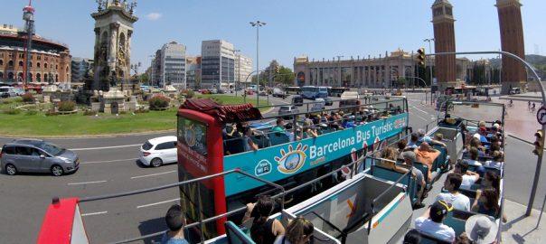 Bus Turístico en la Plaza España, Barcelona