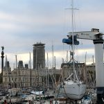 Puerto de Barcelona y la estatua de Colón al fondo
