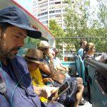 Equipo Viajares al completo en el Bus Turístic