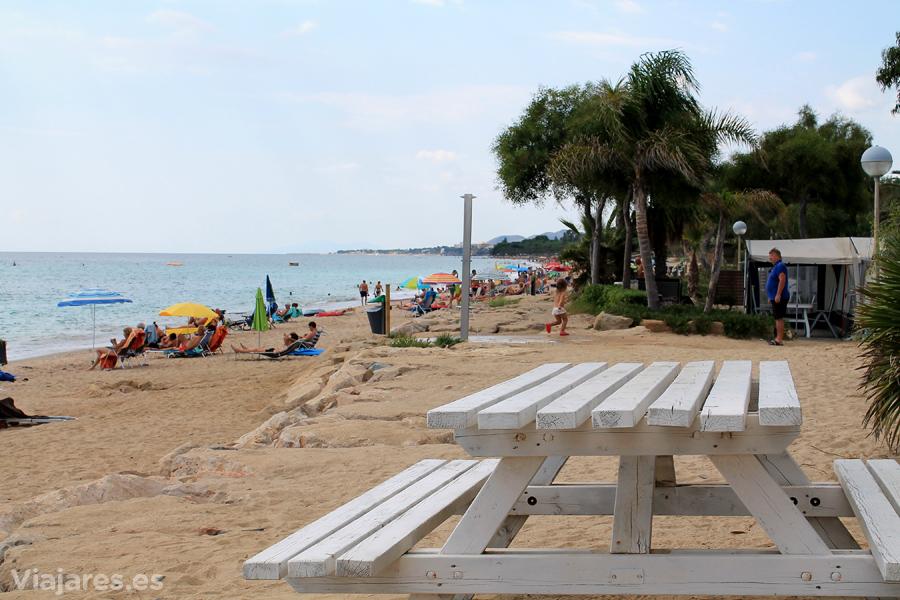 El camping termina donde empieza la playa