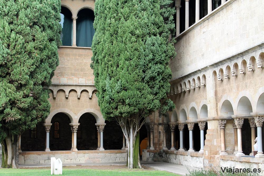 Claustro del Monasterio de Sant Cugat