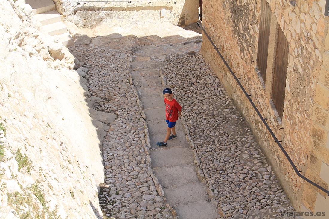 Cuesta para acceder al Castillo de Calafell