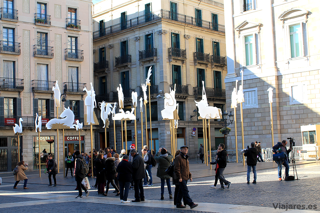 Belén instalado en la Plaza Sant Jaume de Barcelona