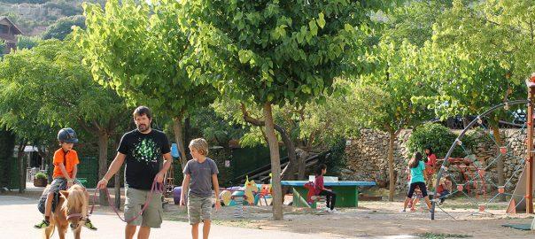 Disfrutando en familia en el Camping Serra de Prades