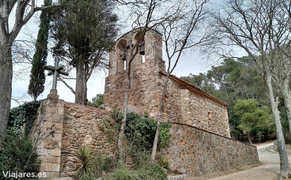 Otra perspectiva de la Ermita de Sant Medir