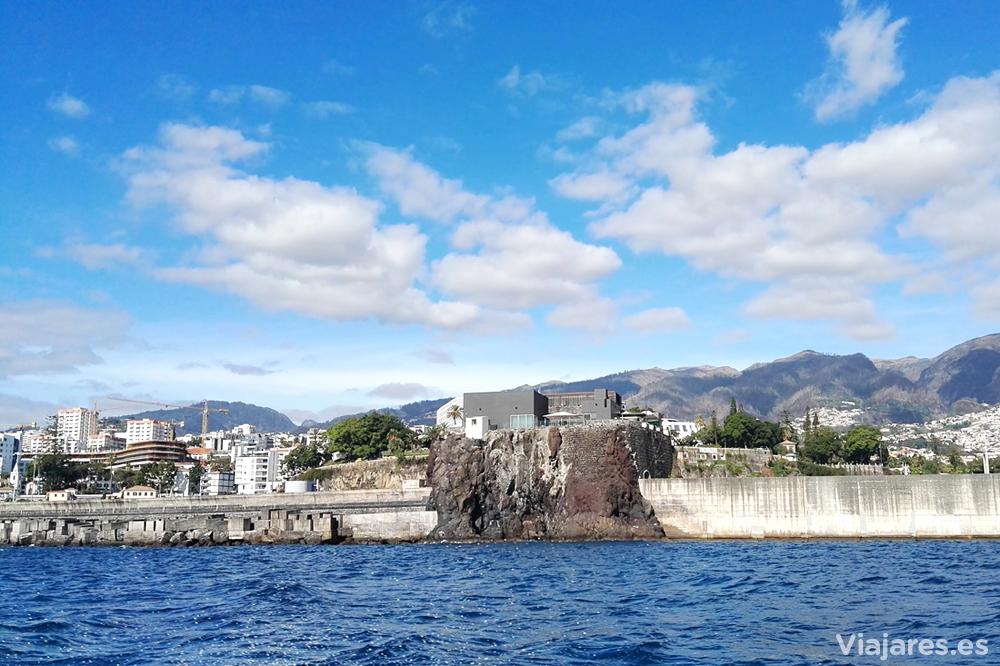Antiguo islote del Puerto de Madeira, ahora unido por un dique