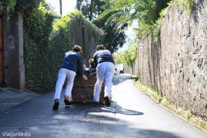 Carreiros do Monte en pleno descenso en Funchal