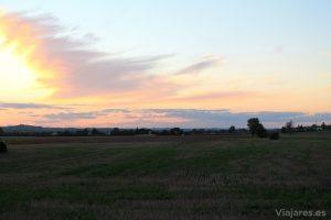 Atardecer en los campos de Villenouvelle