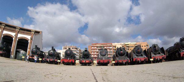 Rotonda con la colección de locomotoras