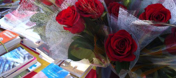 Rosas y libros invaden las calles de Barcelona el 23 de abril
