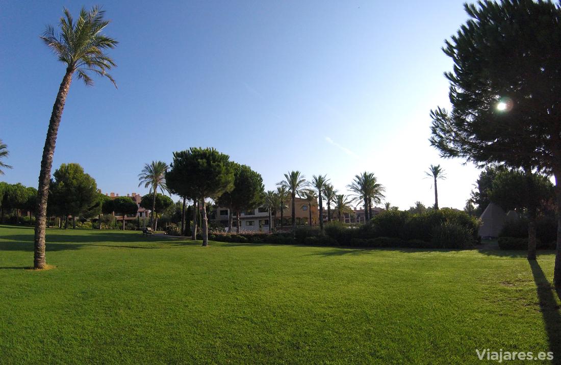 Jardines en Pierre et Vacances en Tarragona